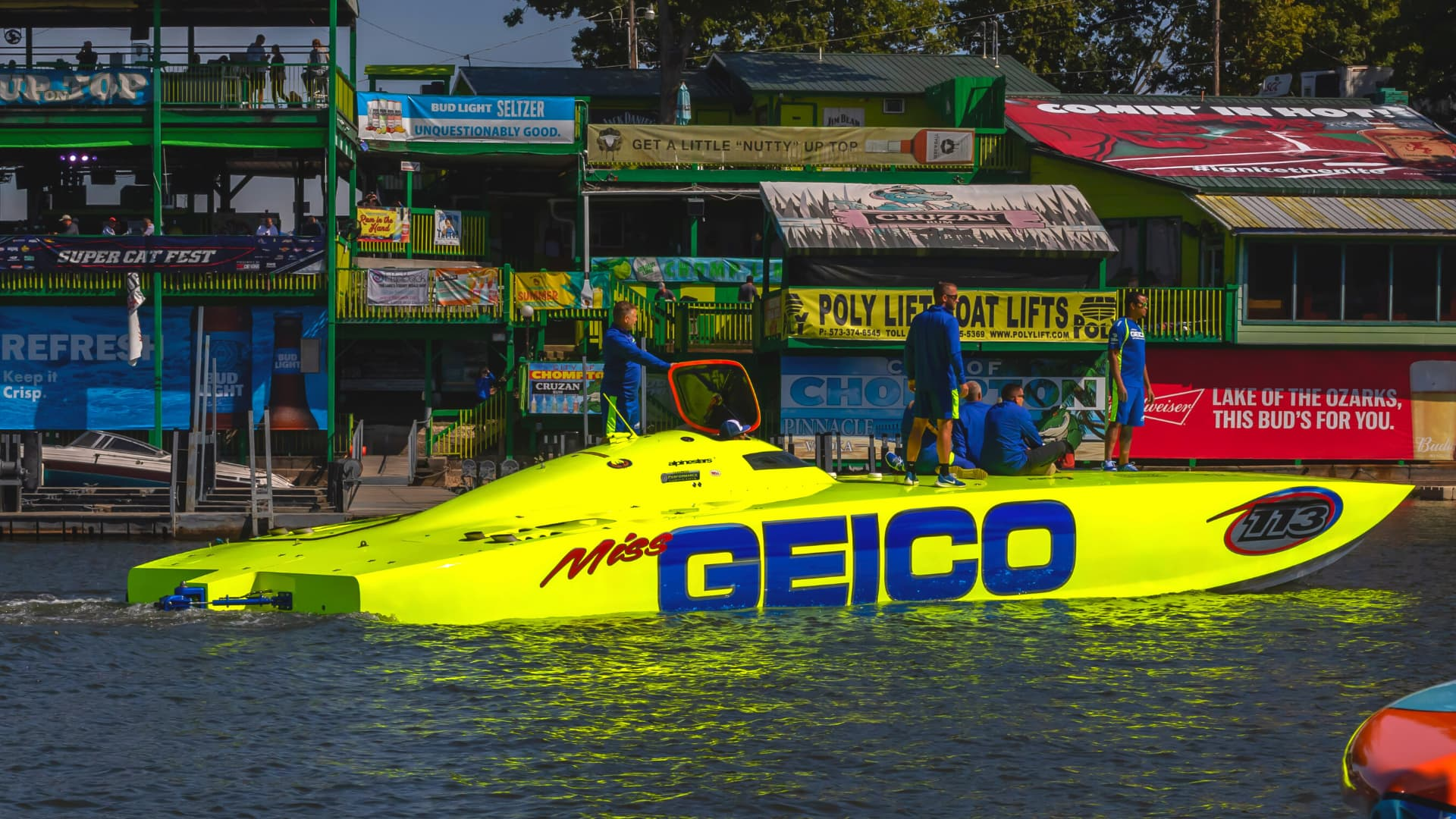 Geico powerboat